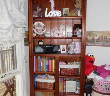 Deluxe-Staggered-Bookcase